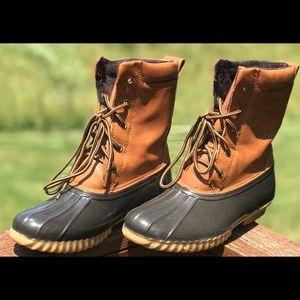 Sporto duck boots size 7